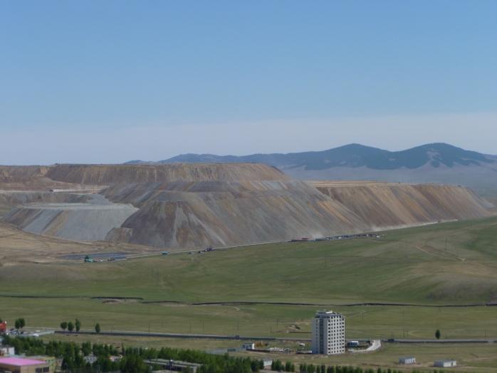 Mongolia_Erdenet-minedecuivre