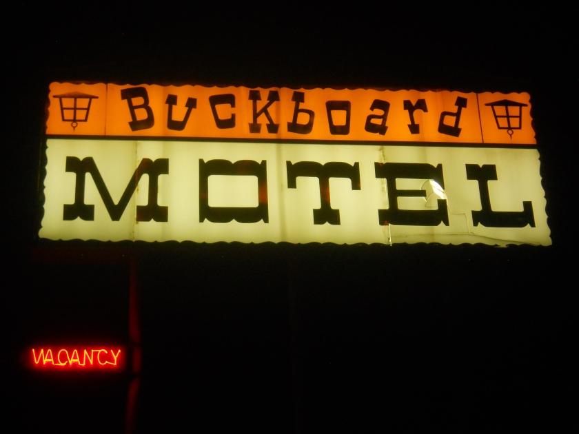 buckboard motel de près